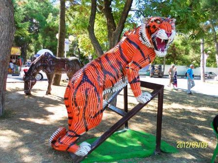 Оскалившийся тигр