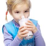Молоко любят дети